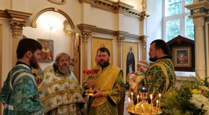18 июля 2020 года в день обретения честных мощей прп. Сергия игумена Радонежского в храме свт. Николая состоялись праздничные богослужения