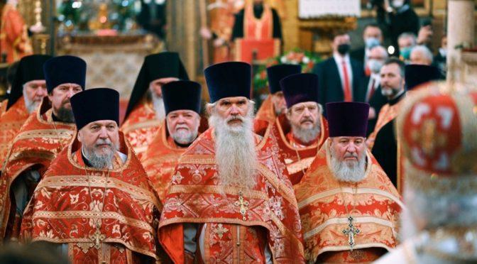03 мая 2021 года Святейший Патриарх Кирилл наградил протоиерея Сергия Киселева правом служения Божественной Литургии с отверстыми Царскими вратами по «Отче наш»