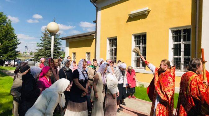 22 мая 2021 года в храме свт. Николая в Здехово прошли праздничные богослужения