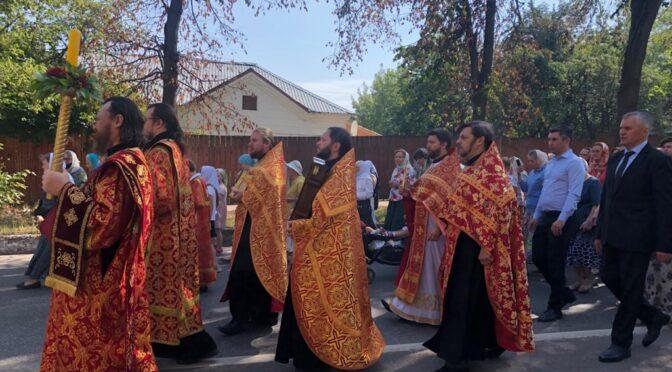09 августа 2021 года жители Фрязино молитвенно отметили Престольный праздник храма при городской больнице Наукограда — день памяти святого великомученика и целителя Пантелеимона